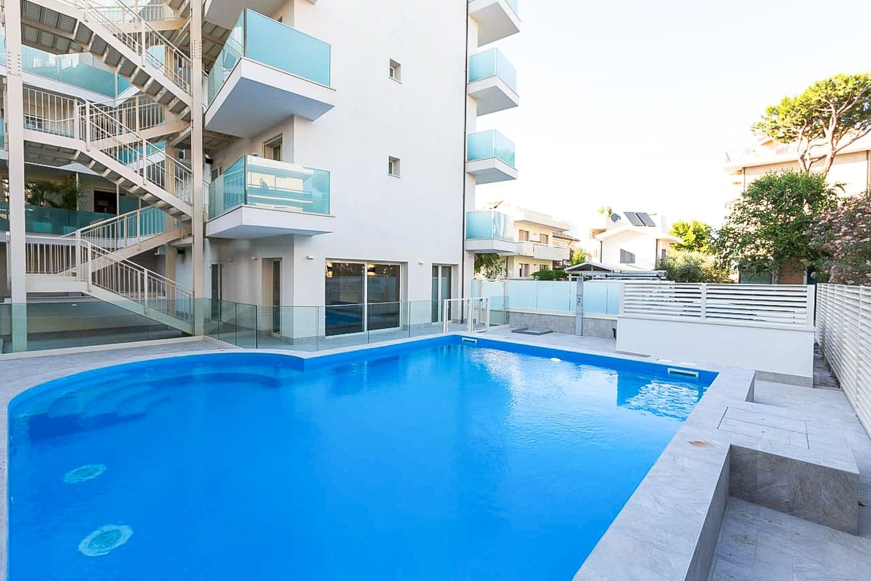 Residence perla verde riccione residence perla verde - Residence riccione con piscina ...